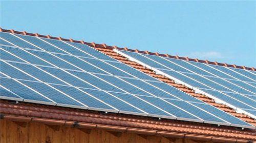 Gemeinden bauen im Verbund verstärkt auf umweltfreundliche Stromerzeugung vor Ort. Immer mehr kommunale Gebäude werden mit Fotovoltaikanlagen ausgestattetFoto Berger