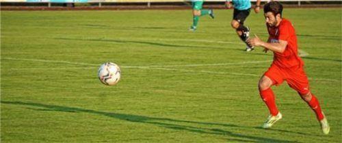 Luca Piga vom SV Bruckmühl ist gegen Karlsfeld wieder mit dabei. Foto