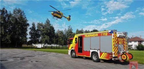 Mit dem Rettungshubschrauber wurde die verletzte 19-jährige Rosenheimerin nach Agatharied geflogen. Foto  Feuerwehr