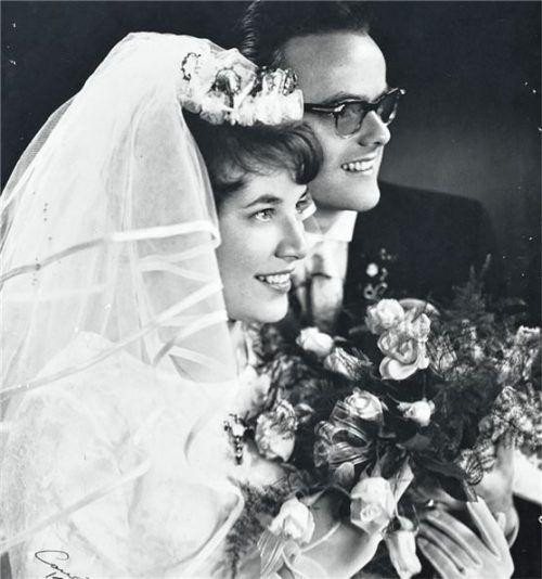 Nach der Hochzeit in der Kirche haben die Essers zu Hause ihre Vermählung gefeiert. Schlecker