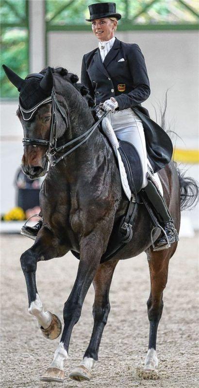 Olympiasiegerin Jessica von Bredow-Werndl, hier mit ihrem Pferd Ferdinand BB, ist an den ersten Turniertagen mit von der Partie.Foto Weitz