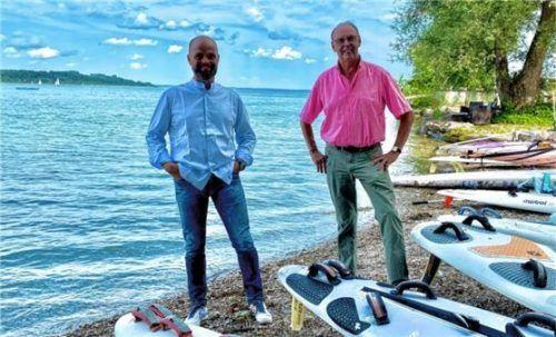 Ralph Siebert (links), neuer Zweiter Vorsitzender des Fördervereins des Regatta-Surfclubs, und Sebastian Stadler, Vorsitzender des Vereins. Foto Deutscher