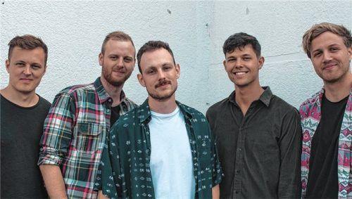 Singen über ihren Liebeskummer: (von links) Benedikt Vodermaier, Florian Weinberger, Johannes Eisner, Niklas Mayer und Johannes Gottwald. Foto Kaffkiez