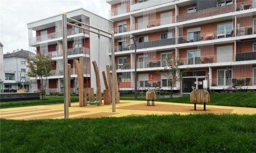 Anlagen mit mehr als drei Wohneinheiten brauchen einen Spielplatz. Wie der aber aussehen soll, ist bislang nicht geregelt. Mit einer Satzung könnte die Stadt mehr Einfluss nehmen. Foto  Lohmann
