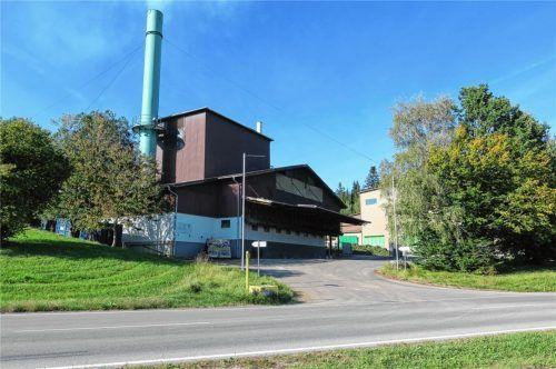 """Die Grünfuttertrocknungsanlage in Hornau darf um die """"AdBlue""""-Produktion erweitert werden. Dem stimmte der Marktgemeinderat jetzt zu. Die Zuwegung soll über eine Abbiegespur von der Kreisstraße erfolgen.Foto  Baumann"""