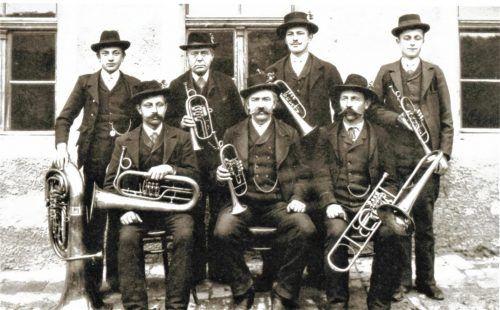 Die Kapelle Rannetsperger 1905 bis 1919 war eine siebenstimmige Blasmusik. Fotos  Privat