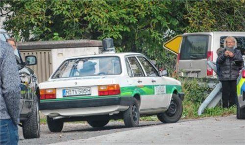 Ein Audi, Marke Polizeiinspektion-1-Gedächtniskarre, zog die neugierigen Blicke der Passanten auf sich.Foto Enzinger