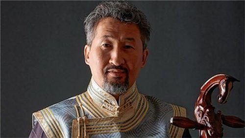 Enkhjargal Dandarvaanchig entführt die Zuhörer mit seiner Musik in die Mongolei.Foto Hillert
