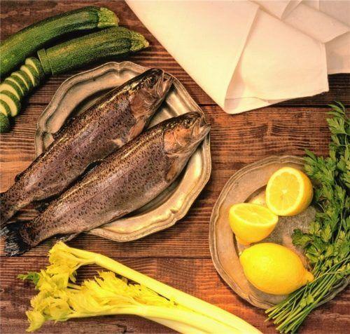 Fischgerichte, vor allem Fettfische, können sich positiv auf die Gesundheit auswirken: Die Deutsche Gesellschaft für Ernährung empfiehlt ein bis zwei Portionen Fisch pro Woche. Foto pixabay