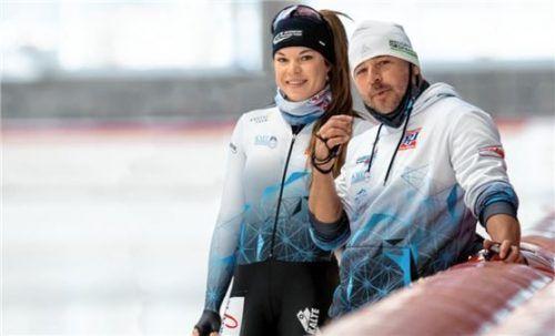 Leia Behlau und Michael Restner während des Trainings in der Max Aicher Arena in Inzell. Foto Ernst Wukits