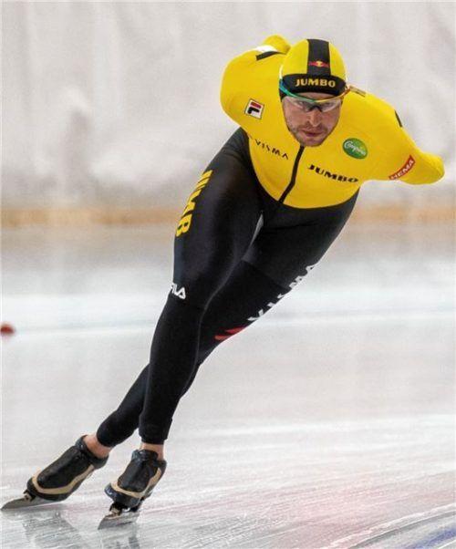 Olympiasieger Sven Kramer aus den Niederlanden lief bei der Bahneröffnung in Inzell auf den zweiten Rang über 5000 Meter.Foto Ernst Wukits