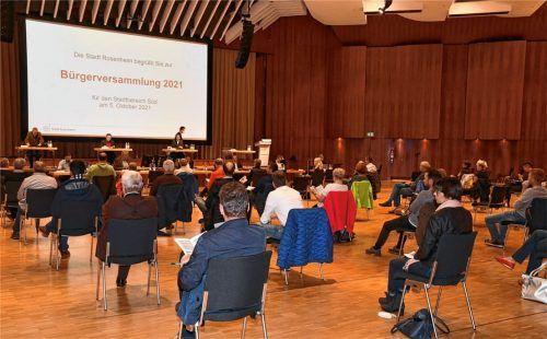 Rund 60 Teilnehmer haben an der Bürgerversammlung für den Stadtbereich Süd teilgenommen, bei der Oberbürgermeister Andreas März über kommunalpolitische Themen informierte. Foto Schlecker