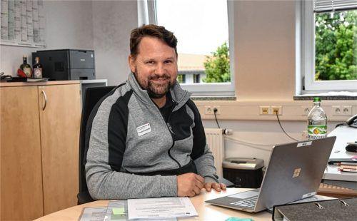 Thorsten Brandstätter ist stellvertretender Geschäftsführer des Bayerischen Roten Kreuzes, Kreisverband Traunstein. Seiner Aussage nach werden die Schnelltests beim BRK 11,50 Euro kosten. Foto Weichold