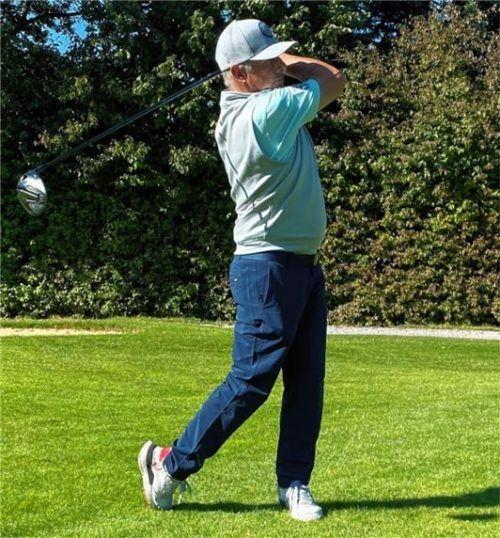 ... und ein sauberer Bewegungsablauf sind das A und O beim Golfen.Foto Leon Simeth