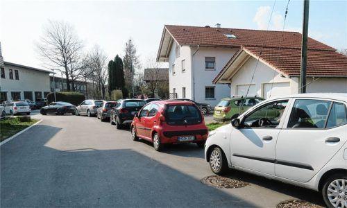 Verbessert hat sich die Situation am Wertstoffhof in Bruckmühl schon durch die neuen Öffnungszeiten. Mit einer Schranke soll die Zufahrt überdies besser geregelt werden. Foto  Baumann